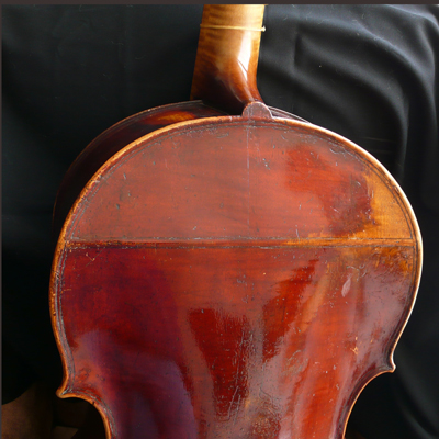 Viola da gamba by Edward Lewis the father